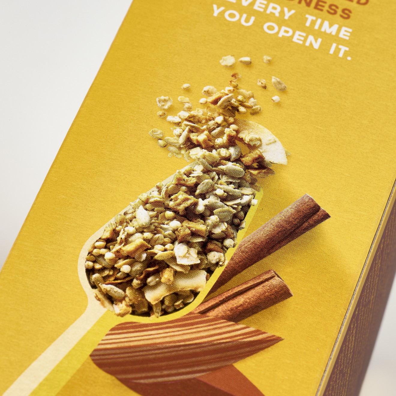 Quatre Mains package design - yellow, scoop, granola, breakfast, cereals