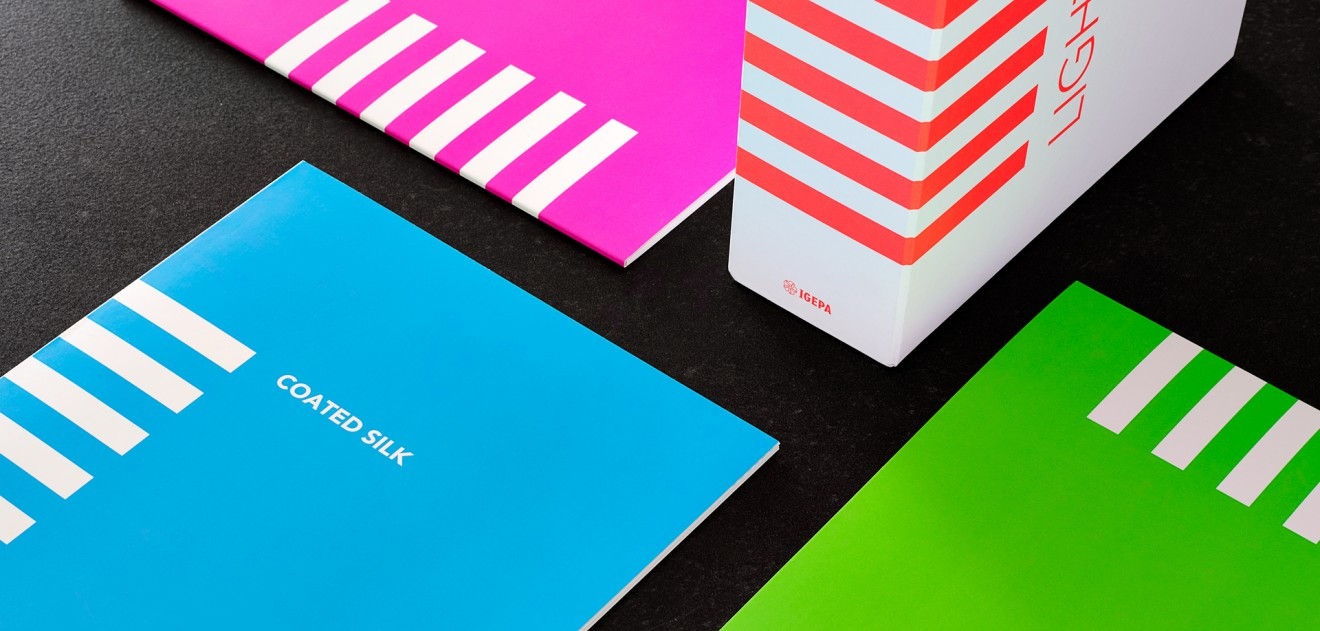 Quatre Mains package design - box, paper, fluo