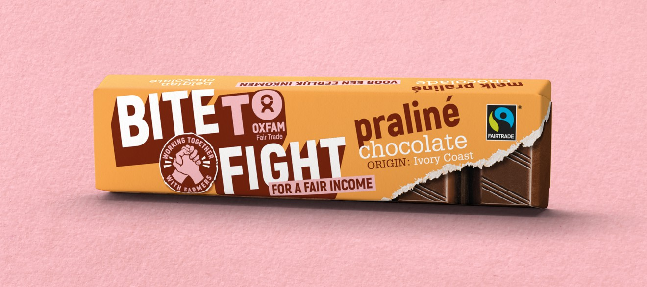 Quatre Mains package design - praline, chocolate, wrapper, bite to fight