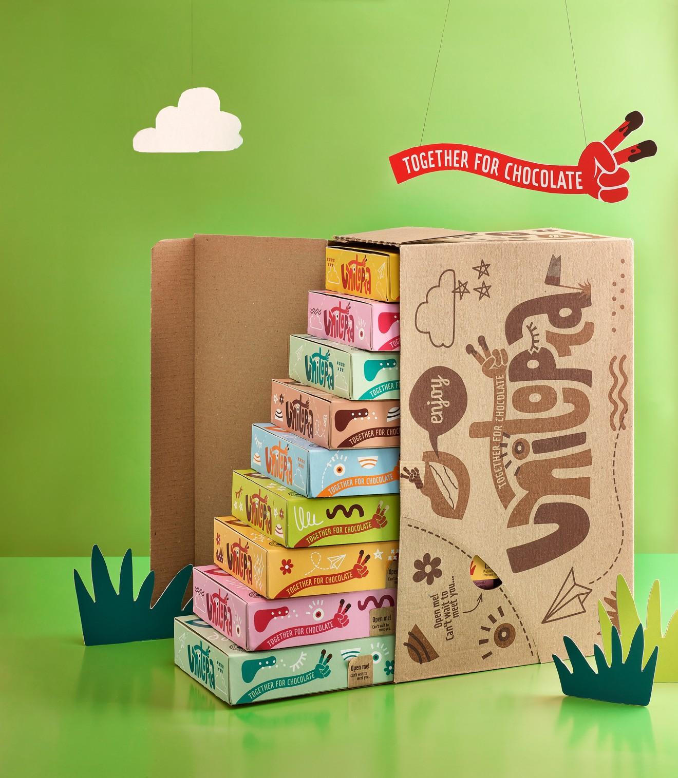 Quatre Mains package design - unboxing, fairtrade, quatre mains