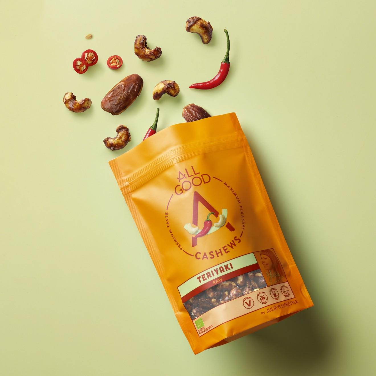 Quatre Mains package design - cashew, chili, dates, crackers, nuts