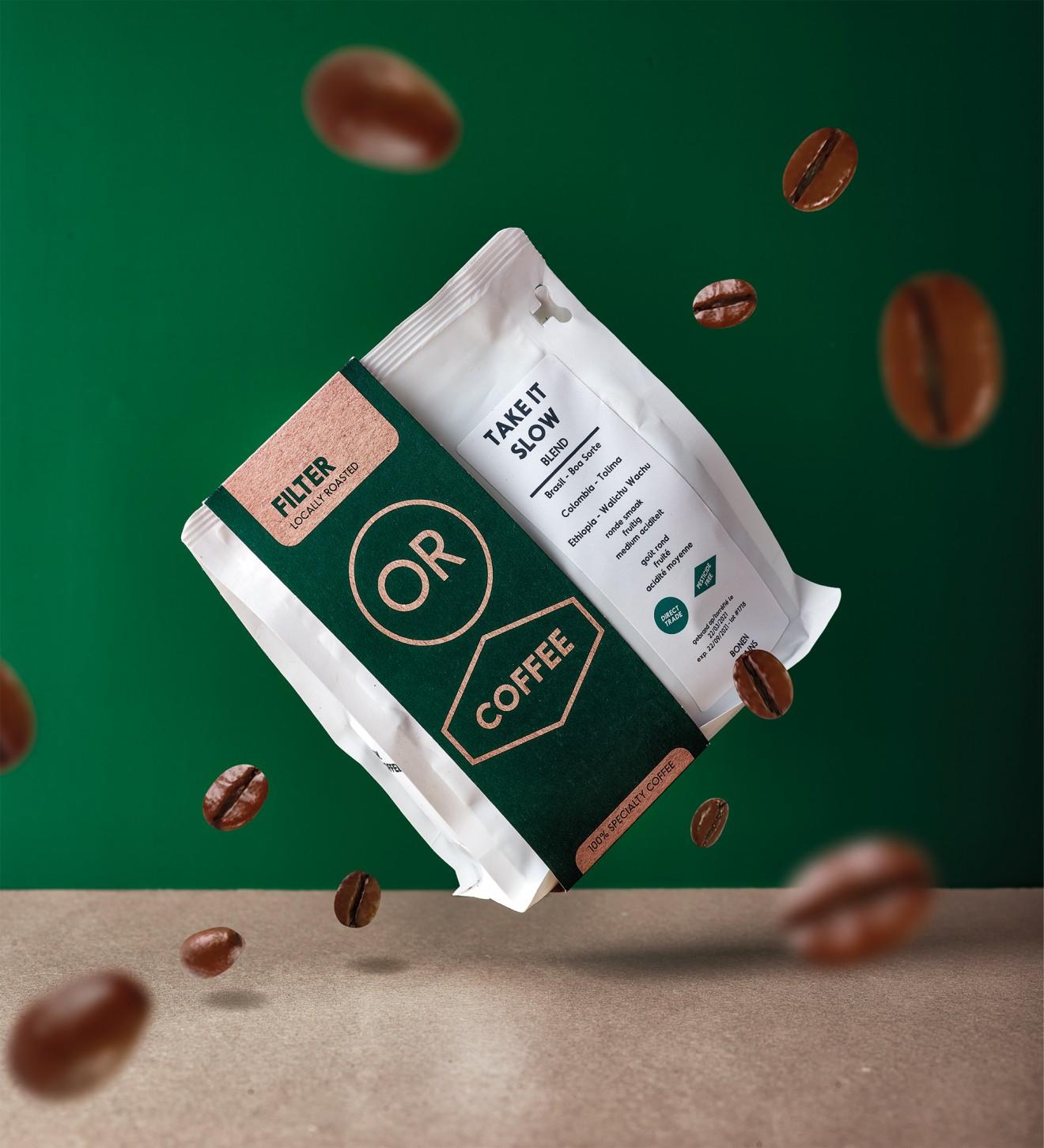 Quatre Mains package design - Branding, beans, pouch, green, belgian