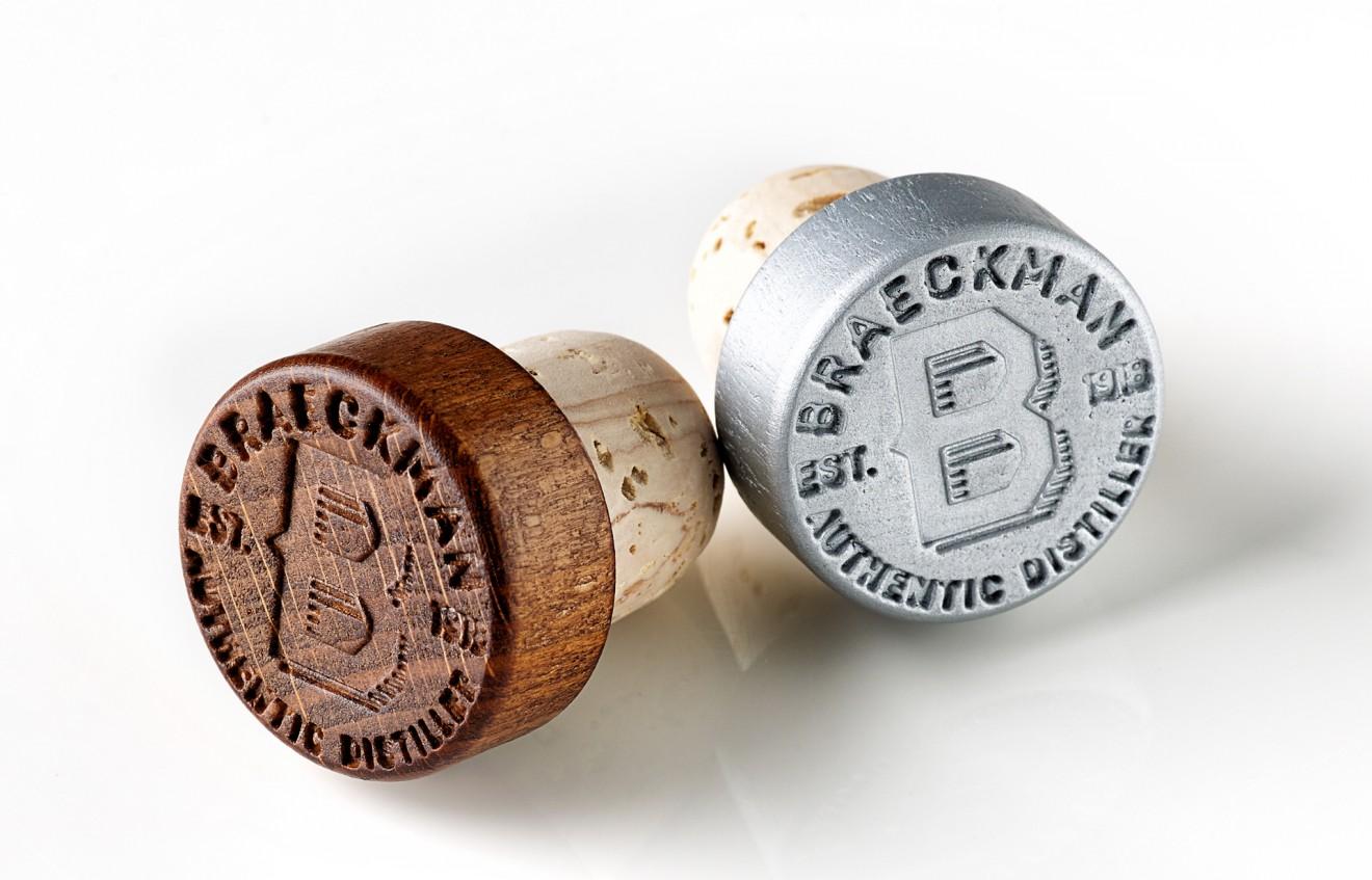 Quatre Mains package design - cork, stopper, braeckman, design, packaging
